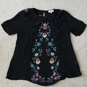 Umgee black embroidered top